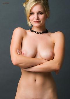 Ashley Cooper  nackt